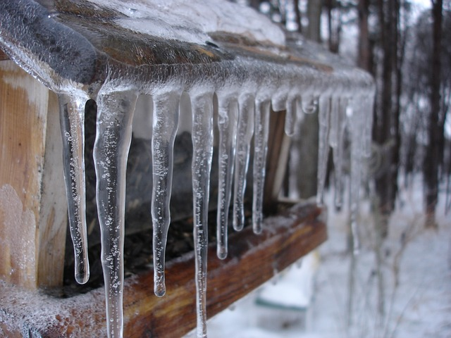 icicles-208484_640